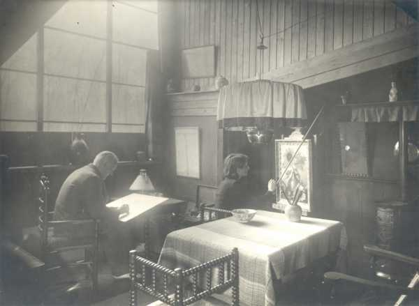 The Bruijnesteijn couple in their studio in the Dwarslaan in Blaricum, 1936/37.